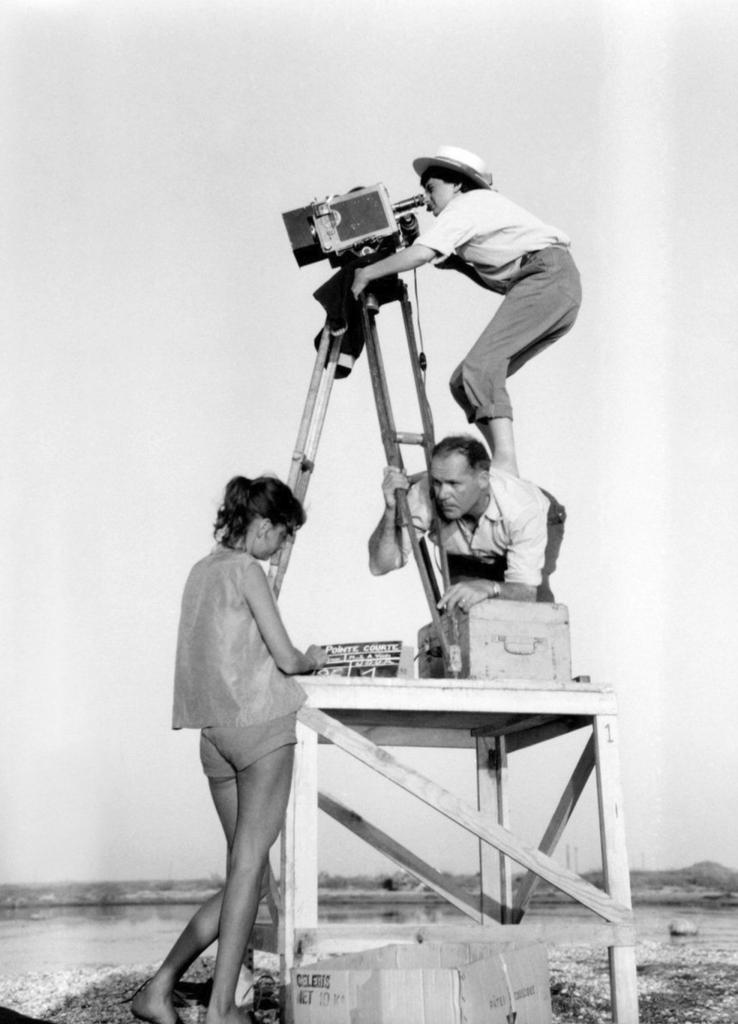"Agnès Varda premier film ""La pointe courte"""
