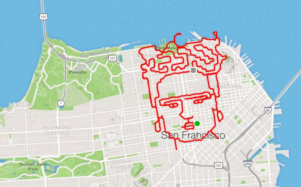 Lenny Maughan dessine en courant un portrait de Frida Kahlo